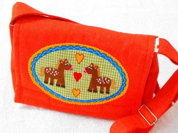Kindergartentasche rot mit Pferdemotiv